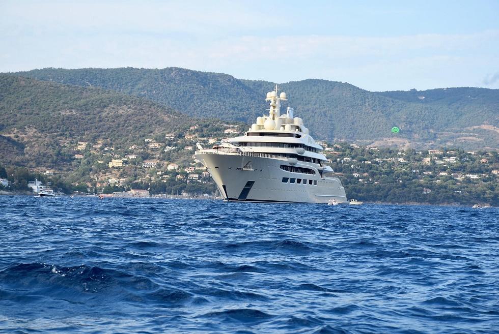 Dilbar Le quatrième plus long yacht du monde a débarqué dans le Var